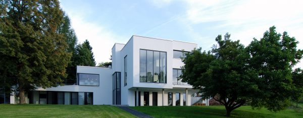 german-property - the picture shows an impressive white and modern villa near Frankfurt am Main, Germany, 3
